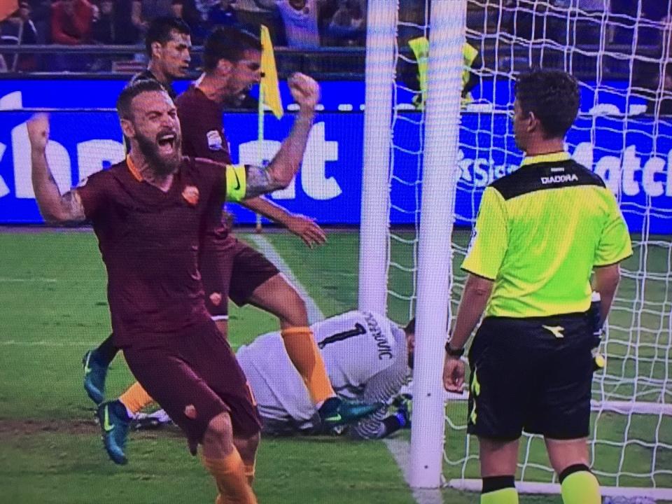 De Rossi esultanza roma inter foto immagini